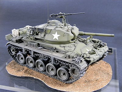 AFV Club M24 Chaffee Light Tank -                             Italeri