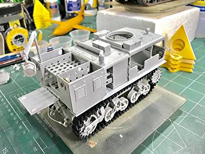 Hobby Boss M4 18-Ton                           HST Class B